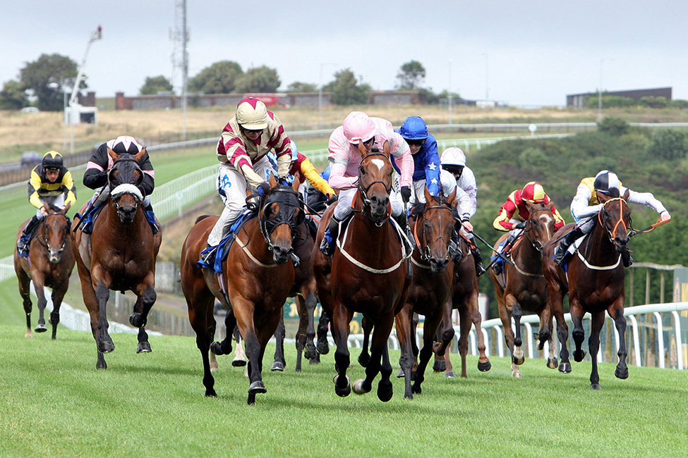 horse-racing-preview-newmarket-19th-april-2017-hero
