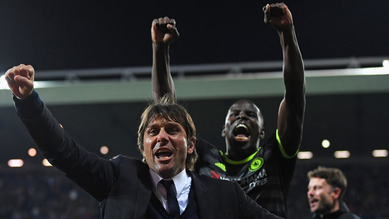 Antonio Conte leads Chelsea to a League title in his first season
